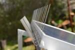 Bild: Taubenabwehr für Solarmodule